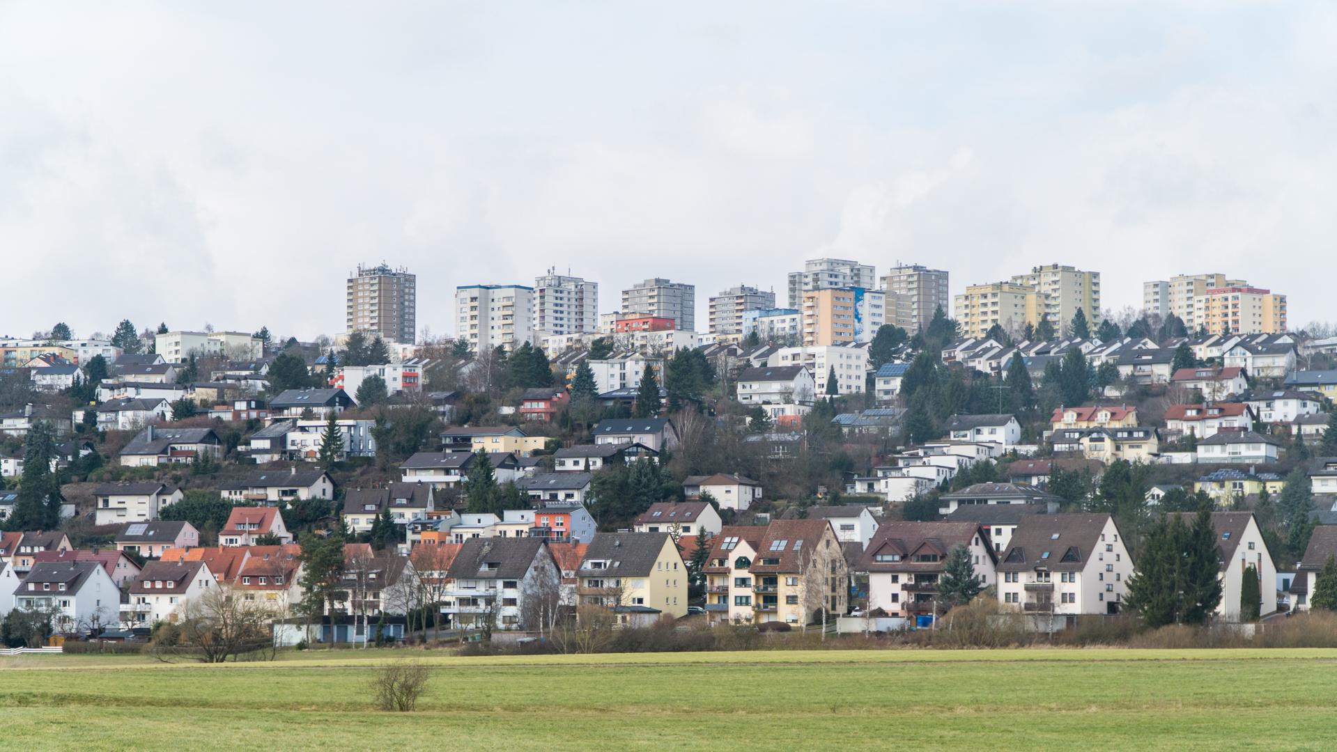 Die Hochhäuser prägen das Bild des Aschenbergs. Doch wie lebt es sich da wirklich?